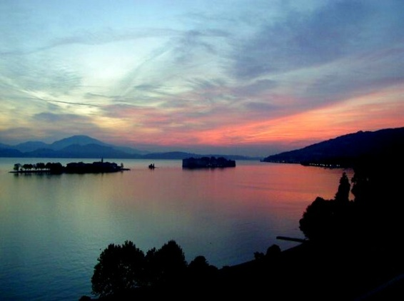 Lake Como/Sweet People